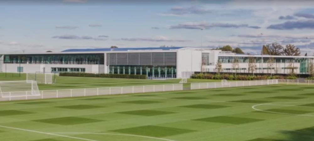 58d5a3a3f1 A seleção brasileira de futebol já está no centro de treinamento (CT ) do  Tottenham